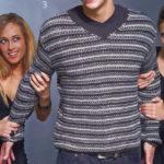 Мужской пуловер спицами вязаный в полоску с V-образным вырезом