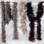 Как связать шарф из ленточной пряжи  спицами и крючком