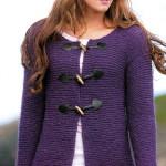 Фиолетовый жакет платочной вязкой вязанный с декоративными застежками