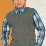 Вязание жилета для мальчика: две модели жилетов с косами