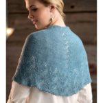 Голубая шаль с ажурной каймой
