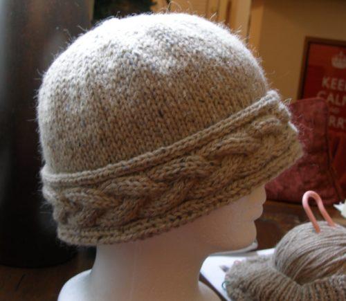 шапка с поперечной косой