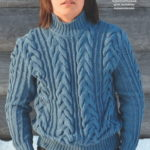 Мужской свитер с косами синего цвета