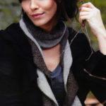 Оригинальный вязаный шарф из пряжи двух цветов