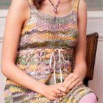 Ажурное платье из меланжевой пряжи крючком