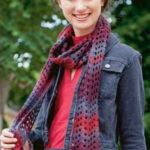 Вязаный шарф крючком узором зигзаг