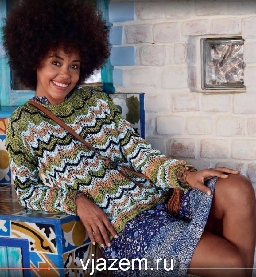 пуловер с волнистым узором спицами