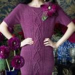 Вязаное платье спицами из «Вог» (Vogue) с аранами