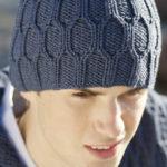 Мужская шапка с ромбами спицами Miehen pipo