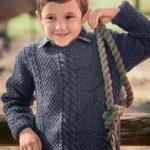 Свитер для мальчика жемчужным узором с косами