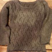 вязаный ажурный пуловер