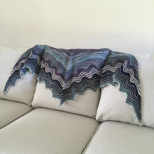 шаль платочной вязкой спицами